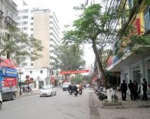 Bán nhà 4 tầng, mặt đường Minh Khai 81m2, ngang 5m, hướng Tây, giá 12.2 tỷ