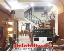 Bán nhà 4 tầng vị trí đẹp khu phân lô cao cấp đường Văn Cao, Hải Phòng.