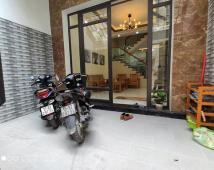 Bán nhà sân cổng riêng đường Nguyễn Công Trứ, giá 3,4 tỷ