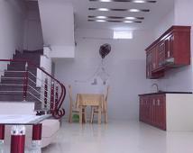 Tôi bán căn nhà 3 tầng trong Kiều Sơn, Văn Cao, Hải An, gia đình thiện chí bán giá 1.55 tỷ.
