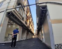 Bán nhà Phương Lưu 1, sân chung 7m, đường trước nhà 4m