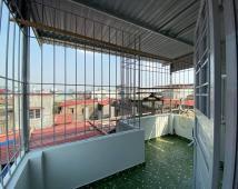 Bán nhà 4 tầng Miếu Hai Xã giá 2,4 tỷ