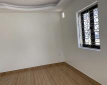 Bán căn nhà xây mới ,khung cột chắc chắn, Gần ngay AOEN Mail