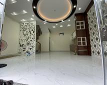 Chính chủ bán nhà ngõ 303 chợ hàng cũ, DT 40m2 xây 4 tầng, 1,8 tỷ, sổ cc. LH: 0904 452 788