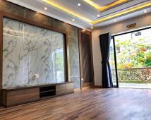 Bán nhà 4 tầng Đẹp Đẳng Cấp phố tây Văn Cao, siêu tiềm năng đầu tư cho thuê