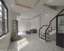 Bán nhà 3 tầng độc lập xây mới đường Lạch Tray, 41m2 ngang 6m. Giá 2ty2. LH: 0906 111 599
