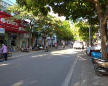 Bán nhà lô góc mặt đường Lương Khánh Thiện, Mặt tiền siêu đẹp