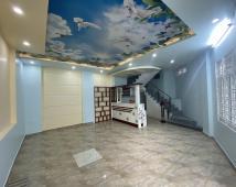 Bán nhà 4 tầng mới, ngõ 79 Nguyễn Tường Loan, lô góc, oto đỗ cửa, 2,5 tỷ. LH: 0906 111 599