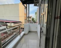 Bán nhà 3 tầng  ngõ 261 Trần Nguyên Hãn, 33m2, ngõ 3m, sổ đỏ cc. LH: 0906 111 599