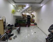 Bán nhà 4 tầng ngõ 241 Lạch Tray ngõ to ô tô vào trong nhà.