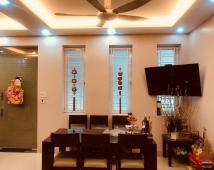 Chính chủ bán nhà ra ở riêng cần bán căn nhà 2 mặt thoáng phố Lâm Tường