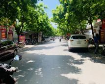 Bán lô đất 93m mặt đường Hoàng Minh Thảo tặng nhà cấp 4 giá 9,5 tỷ LH: Em Thuận 0979.087.664